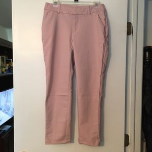 A new day pink ankle pants. Size 6.